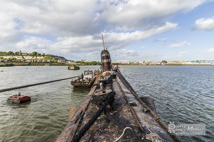 Sous-marin russe Black Widow depuis la proue