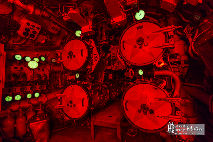 We are under attack! Red alert in submarine.