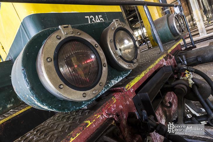 Phares de la locomotive 7345 SNCB