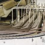 Convoyeurs sur les chaines de production de l'usine LU Ris Orangis