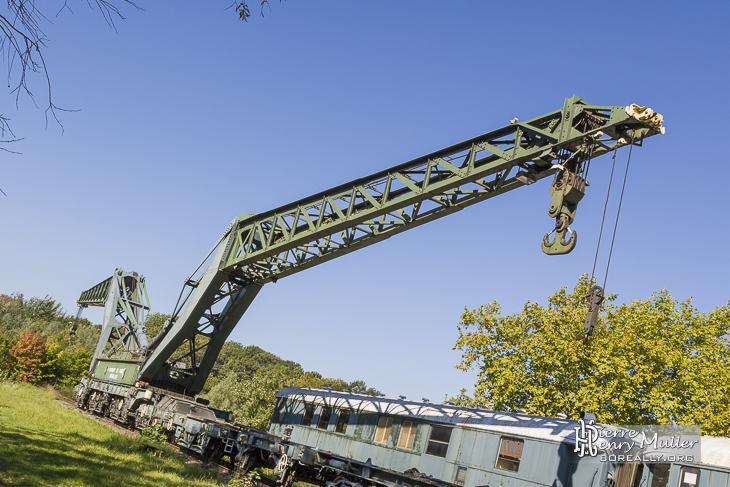Train grues ferroviaire Diplodocus à Versailles