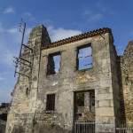 Façade en ruine de maison à Oradour sur Glane