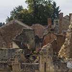 Murs des ruines du village martyr d'Oradour