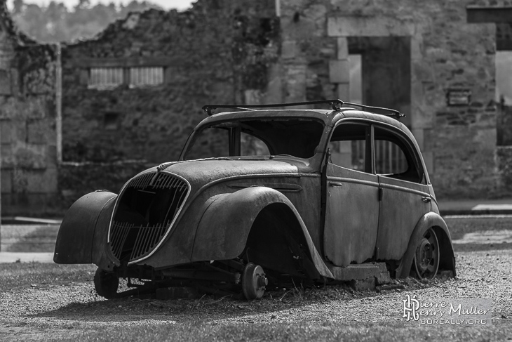 Peugeot 202, la voiture du médecin d'Oradour sur Glane