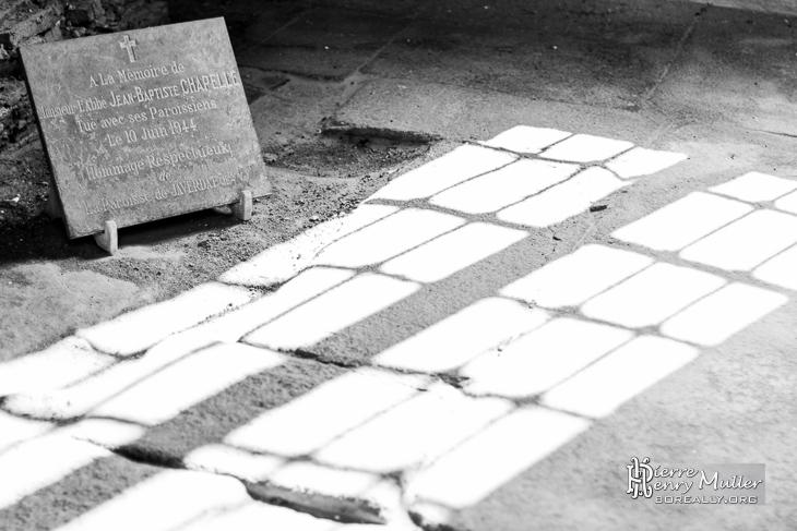 Plaque commémorative pour l'abbé d'Oradour