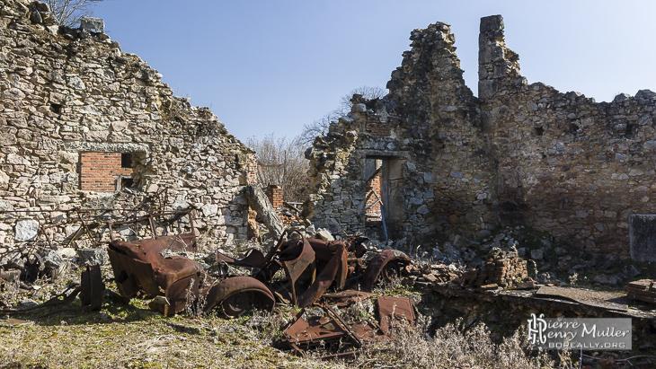 Ruines de maison à Oradour