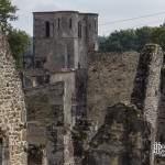 Village d'Oradour en ruine et son Eglise