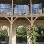 Galerie ouverte reliant la maison de la Reine à la maison du billard