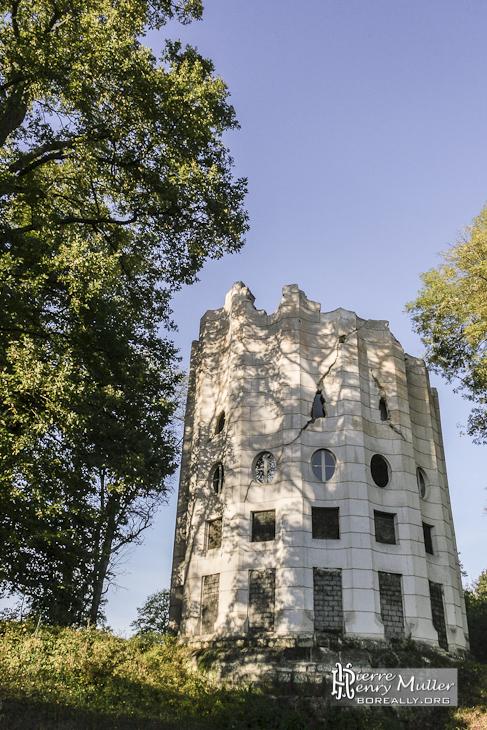 Colonne détruite du Désert de Retz à Chambourcy