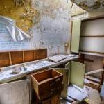 Bureau dévasté en HDR à l'hôpital Richaud à Versailles