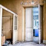 Grandes portes de la maternité de l'hôpital Richaud en HDR