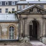 Portail de l'hôpital Richaud à Versailles