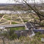 Depuis le donjon de La Roche Guyon vue sur le jardin du château