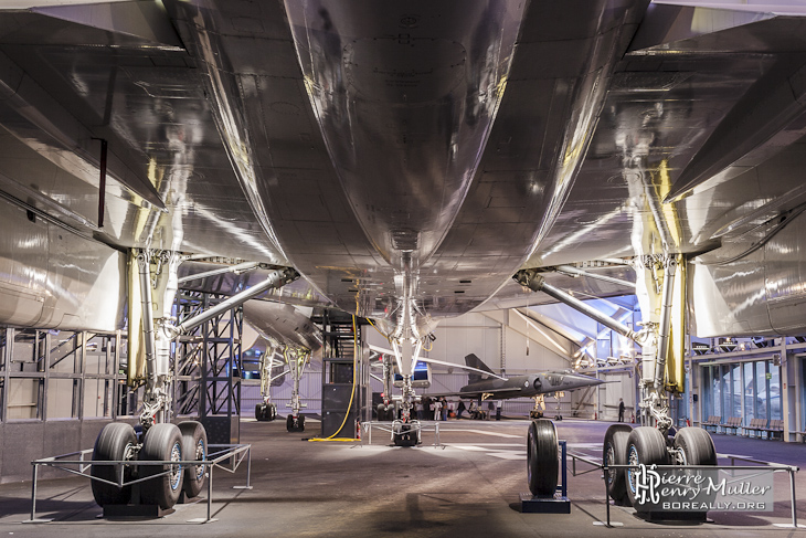 Dessous du Concorde Sierra Delta 213 F-BTSD au musée de l'air et espace