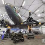 Douglas Dakota C-47 en vue d'ensemble au musée du Bourget