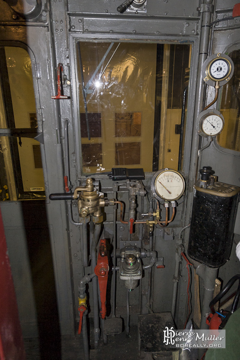 Poste de pilotage du métro Sprague Thomson