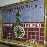 Publicité en faïence pour désodorisant désinfectant Santogène Berger