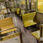 Siège en bois d'une voiture Sprague Thomson du métro parisien