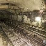 Voies du métro à la station Porte des Lilas Cinéma