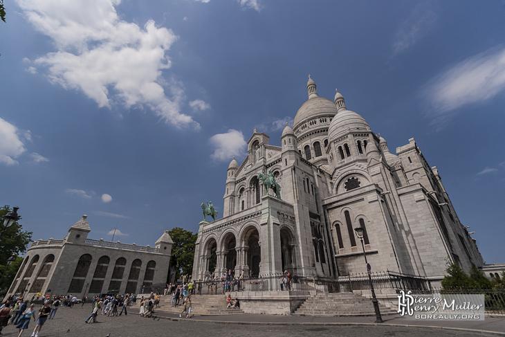 Basilique du Sacré-Cœur de Montmartre dans le 18ème arrondissement de Paris