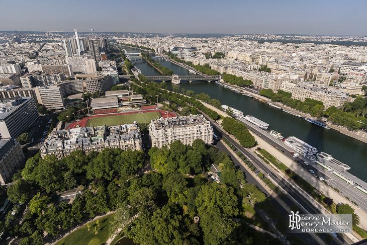 la seine et le 15 me et 16 me arrondissement de paris. Black Bedroom Furniture Sets. Home Design Ideas