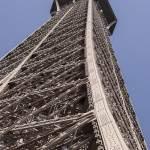 La Tour Eiffel entre le deuxième et le troisième étage