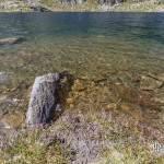Lac de montagne muti-couleur
