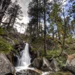 Pause longue d'une cascade en TTHDR en montagne