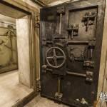 Porte blindée du bunker sous la Gare de l'Est à Paris