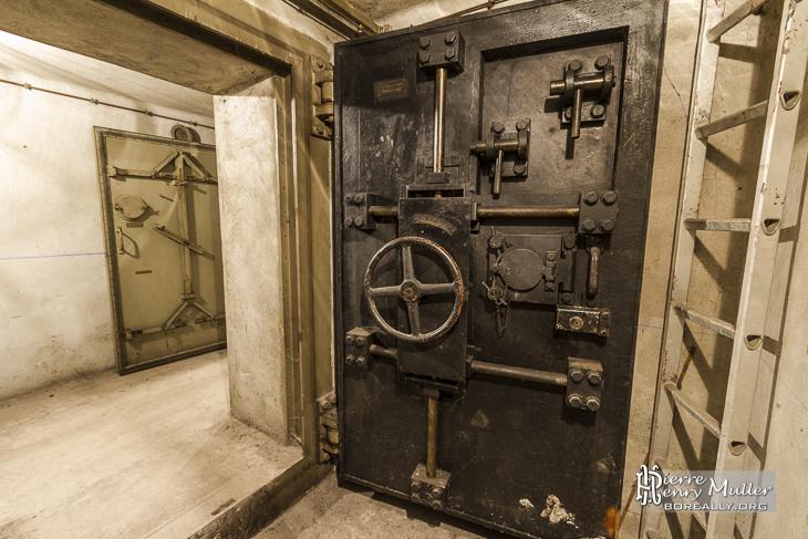 porte blind e du bunker sous la gare de l 39 est paris boreally. Black Bedroom Furniture Sets. Home Design Ideas