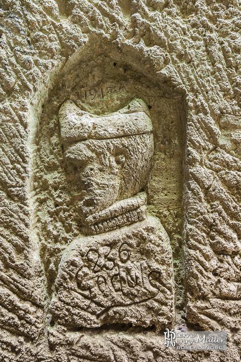 Sculpture religieux dans la carrière du Chauffour