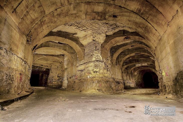 Galerie renforcé par les Allemands dans la carrière souterraine de Méry sur Oise
