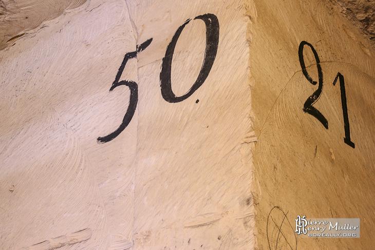 Nombre inscrit sur mur d'identification des galeries de la carrière à Hennocque