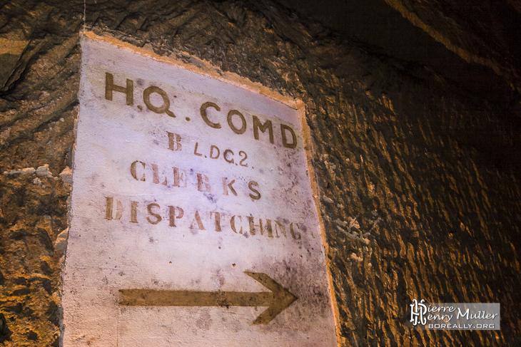 Panneau d'indication du HQ command du bunker de l'Otan