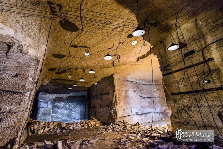 Salle des lampes du bunker de l'Otan