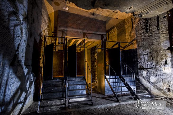 Toilettes latrines chimiques du bunker de l'Otan