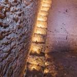 Vue de l'escalier tailler dans la roche de la carrière souterraine de Port Marly