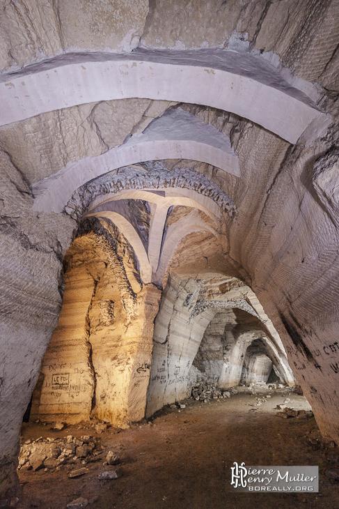 Consolidation moderne de la carrière souterraine de Vaux sur Seine Proverbes