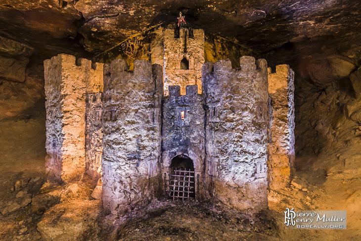 Salle du château dans les catacombes de Paris