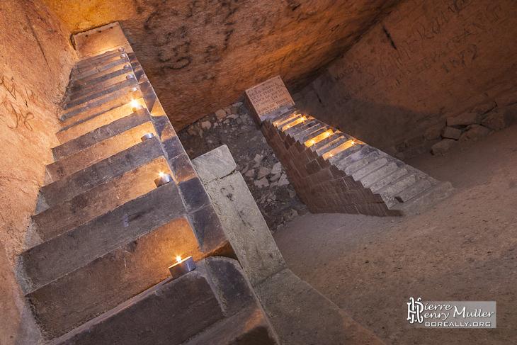 Vue du double escalier minéralogique de Notre Dame des Champs