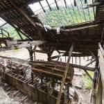 Bacs de récupération du minerais de fer dans une ancienne usine