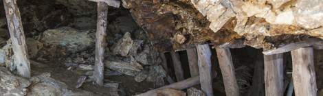 Étayage en bois d'un filon horizontal d'une mine de zinc en Espagne....