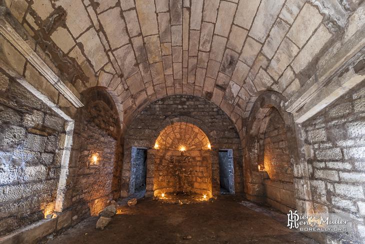 Grotte de la Demoiselle sous les jardins réguliers de Saint-Germain-en-Laye