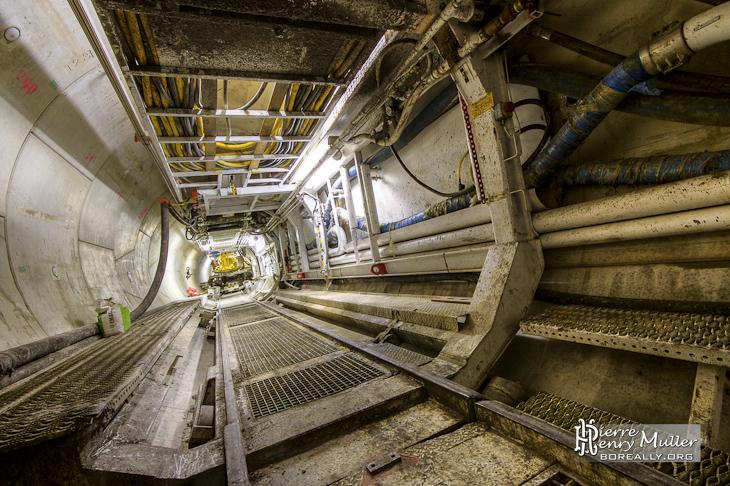 Plate-forme du train suiveur du tunnelier