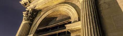 ...Tour clocher nord de l'Eglise Saint Eustache de nuit...