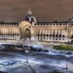 Petit-Palais de nuit en TTHDR depuis le toit du Grand-Palais