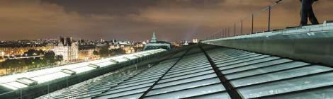 Vue sur les toits de Paris et la verrière du Musée d'Orsay....
