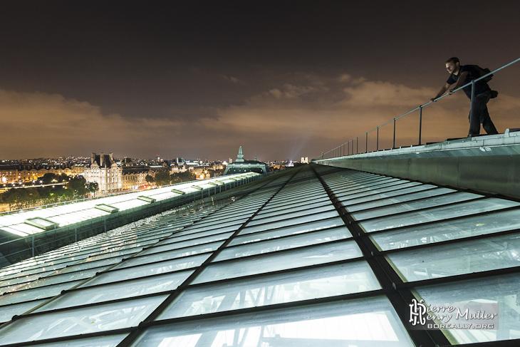 vue sur les toits de paris et la verri re du mus e d 39 orsay boreally. Black Bedroom Furniture Sets. Home Design Ideas