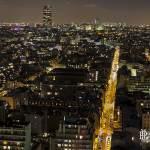 Vue de la Tour Montparnasse de nuit depuis les toits du quartier Beaugrenelle à Paris