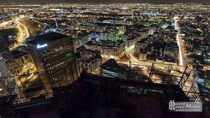 Courbevoie, Colombes, Nanterre depuis les toits de la Défense de nuit